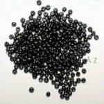 Egyszínű gömbölyű fagyöngy, Fekete